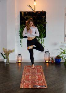 Låt vardagsrummet dubblera som yogastudio